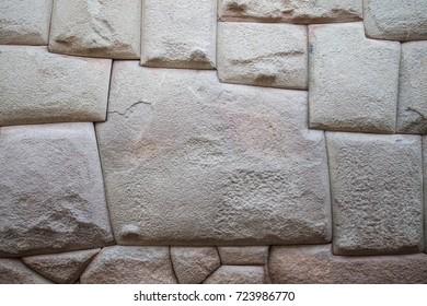 La Piedra de Los Doce Augulos