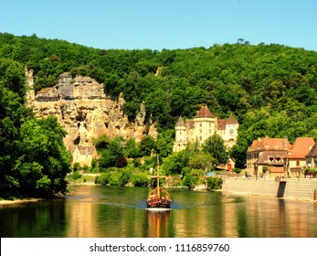 La Roque Gigeac / France - May 18, 2014: Gabere on the Dordogne at Le Roque Gigeac