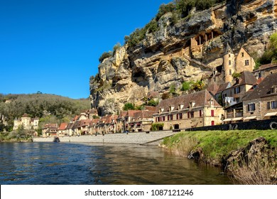 La Roque-Gageac, one of the most beautiful villages of France (Les Plus Beaux Villages), is a popular tourist destination in Dordogne region