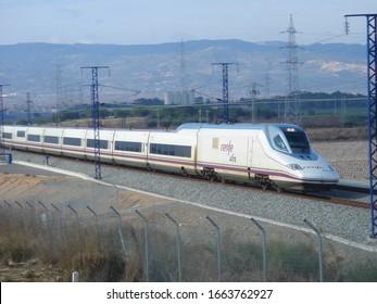 La Secuita (Tarragona, Spain). 01/08/2007. Spanish high speed train.