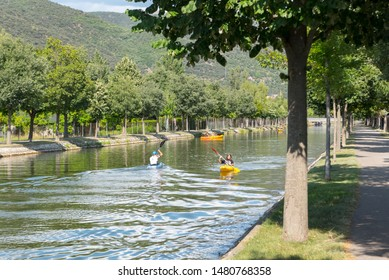 La Seu de Urgell, Catalonia : 2019 August  16 : Family in kayac in the Rafting Segre Park of La Seu de Urgell, Catalonia.