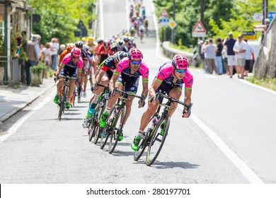 LA SPEZIA, ITALY - MAY 12, 2015: Team Lampre in the group of cyclists during the 4th stage of Giro d'Italia