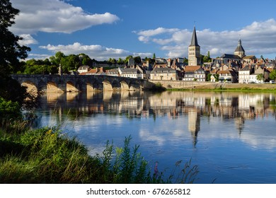 La Charité sur Loire (French village)