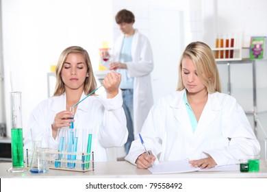 lab technicians