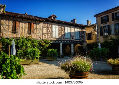 Labastide d'Armagnac is one of the most beautiful bastides in southwestern France. The village was founded in 1291 and the square is still surrounded by the same arcades with covered passages.