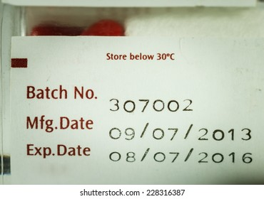 label expiration of medicine on bottle