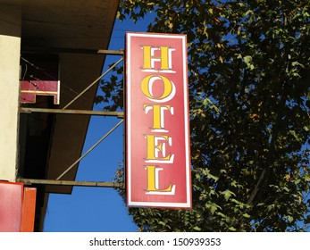 Label Hotel in yellow and red color