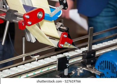 Labeling product machine in food industry