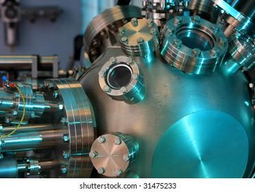 Laboratory abstract - Ultra High Vacuum equipment