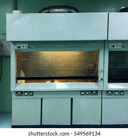 Laboratory Chemical Fume Hoods
