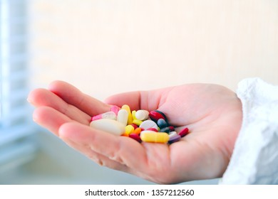 Laboratory tests and clinical trials of drugs. Toxicology. Clinical pharmacology.