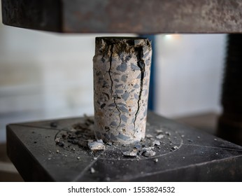 Laboratory of Uniaxial Compressive Strength Testing of Cylinder Shotcrete/Concrete Mix Design for Tunnel, Dam, Slope Protection, Geotechnical Work