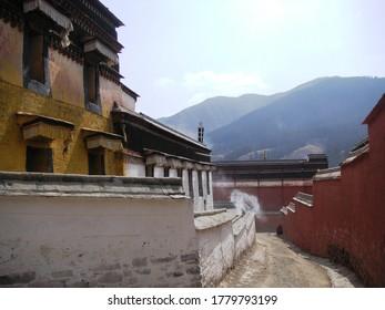 Labrang Tibetan Monastery with Mountain View