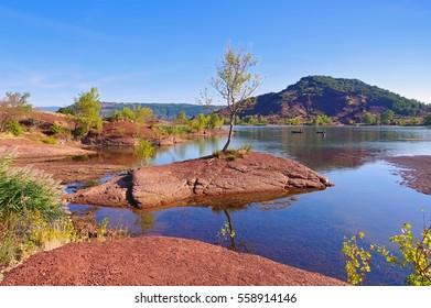 Lac du Salagou in Frankreich -  Languedoc-Roussillon