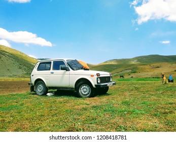 Lada Niva in Azerbaijan - Azerbaijan landscape