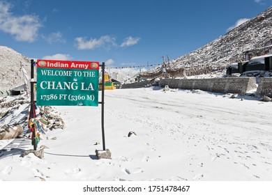 Ladakh, India, 2012: welcome to the Chang La Pass