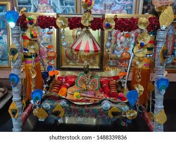 laddu gopal hindu god swinging 260nw 1488339836