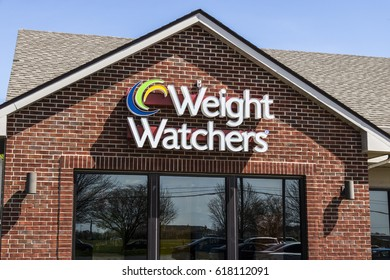 Lafayette - Circa April 2017: Weight Watchers Meeting Location. Oprah Winfrey is a Weight Watchers Spokesperson and Stockholder IV