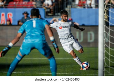 LAFC forward Diego Rossi (9) attempts a shot on FC Dallas goalkeeper Jesse Gonzalez (1) during a MLS match a between the Los Angeles and FC Dallas May 19,   2019, at Toyota Stadium, Frisco,