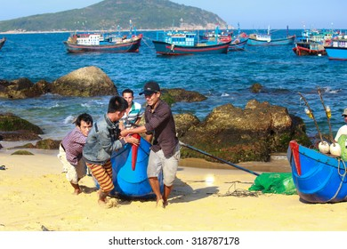 Lagi beach, Vietnam - August 16, 2015: the daily work of ngi fishing village Lagi, BinhThuan province, Vietnam