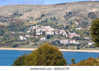 Lago di Campotosto Gran Sasso Parco Nazionale Abruzzo Italy