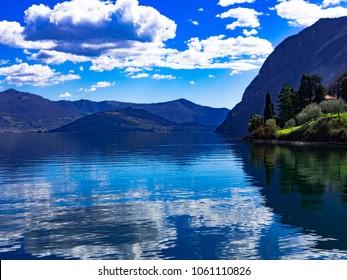 Lago d'Iseo Riva di Solto