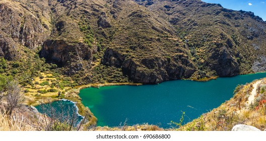 Laguna de Huallhua en Huancaya - Reserva paisajística Nor Yauyos-Cochas (PERÚ)