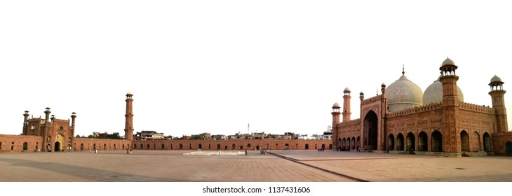 Lahore, Pakistan of Badshahi masjid which the mosque's prayer hall located in Punjab. The mosque is located west of Lahore Fort along the outskirts of the Walled City with panorama view.