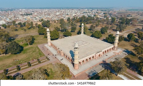 Lahore, Pakistan - Tomb of Emperor Jahangir, a Mughal era king who ruled India. Mausoleum dates from 1637 located in Shahdara Lahore, Punjab, Pakistan. A UNESCO world heritage site