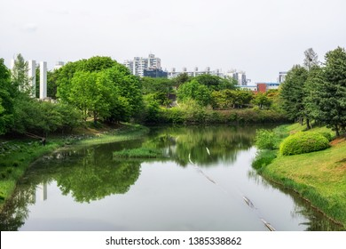 lake 88 in seoul olympic park taken during spring time. Taken on February 27th 2019