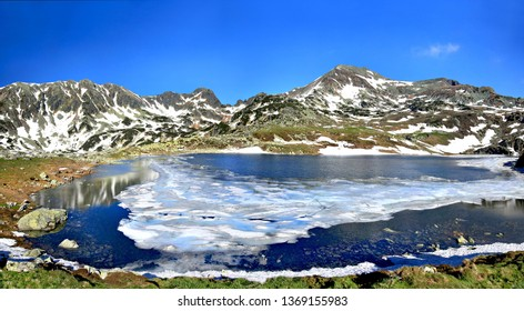 Lake Bucura is the biggest glacial lake in Romania and is located in The Retezat Mountains that are considered the pearl of the Carpathians