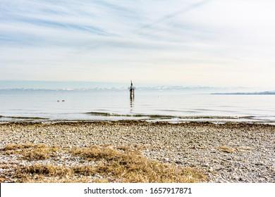 Bodensee im Winter - Sonnenlicht mit Strand