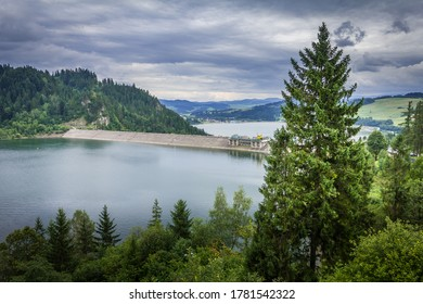 Lake Czorsztynskie - a dam reservoir on the Dunajec River, in the Nowotarska Basin, between the Pieniny and Gorce Mountains. It was built in Niedzica.
