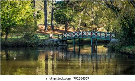 Lake Daylesford walk bridge