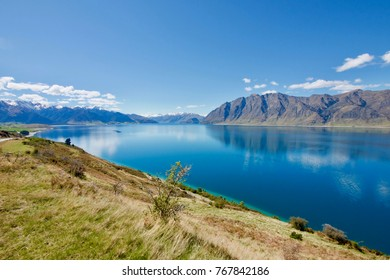 Lake Hawea, an outdoor adventurers' paradise in New Zealand's South Island