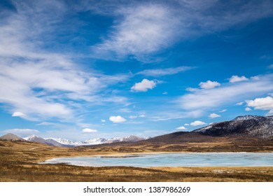 lake ilchir, the upper reaches of the Irkut river, spring, day