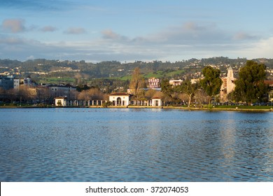 Lake Merrit sunset from the shore of the park,Oakland (San Francisco) 28/01/2016