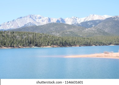 The lake on the way up to pikes peek, Colorado Springs