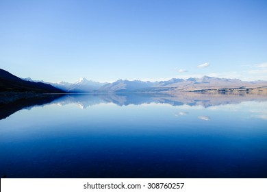 Lake Pukaki and Mount Cook range