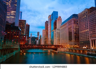 Lake Street Bridge and skyscrapers of Chicago, USA