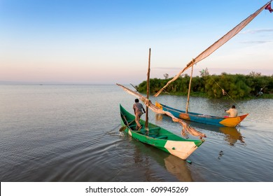 Lake victoria fishermen go to work