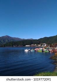 lake view boat