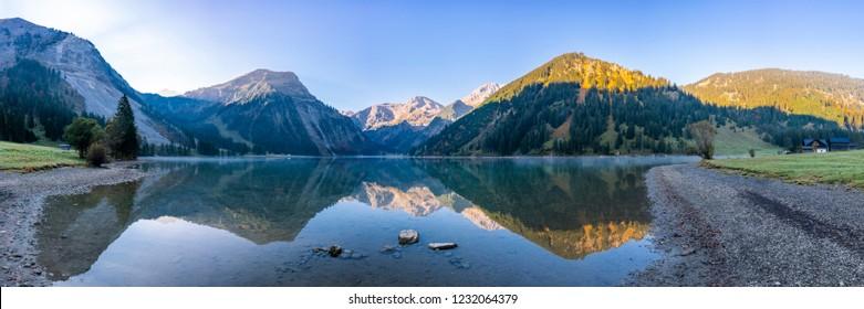 lake Vilsalpsee in the Allgäu Alps in autmn