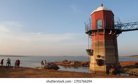 Lake water level tower - India, Chennai