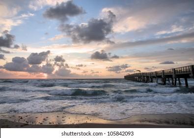 Lake Worth Pier in Lake Worth, Florida / Angry Sea
