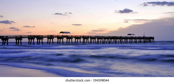 The Lake Worth Pier in Florida / Panorama Pier