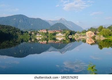 Lakeside lodging in Grundlsee, Austria