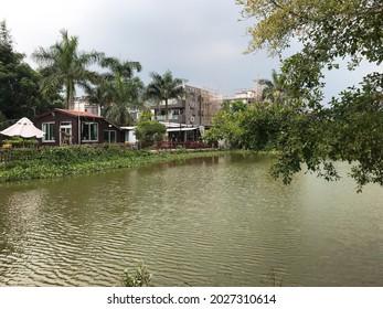 lakeside restaurant in hong kong