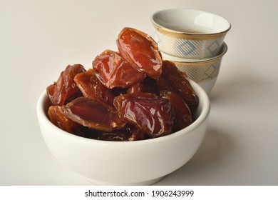 Lakhs is a type of dates, famous for it in the regions of [Al-Qatif, Al-Qassim, Al-Kharj and Al-Hasa] in Saudi Arabia. It is characterized by preserving its good flavor after a long period of storage,