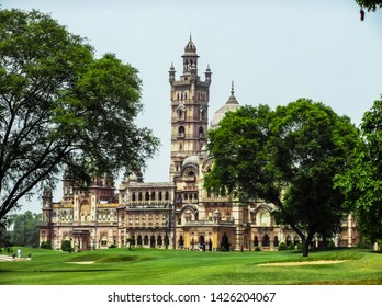 Lakshmi Villas Palace also known as Rajmahal of Vadodara. Lakshmi Villas Palace is Proud of Vadodara and most attractive place for tourist in Vadodara.